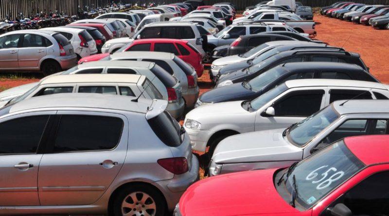 Detran-DF abre novo leilão de veículos apreendidos