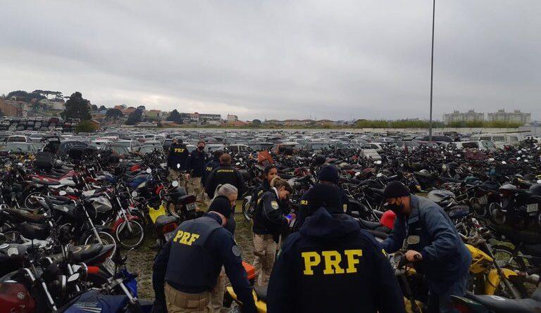 PRF realiza leilão online de 330 veículos apreendidos